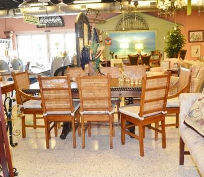 Columbus & Cook Dining Table with 8 chairs and butterfly leaf