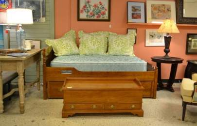 Ethan Allen trundle bed and trunk